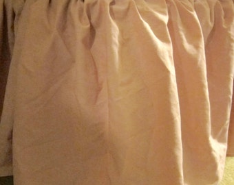 Vintage 80's full double mauve pink bed skirt