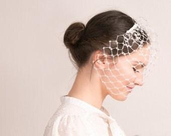Modern birdcage veil, contemporary wedding veil