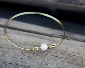 Single Pearl Gold Bangle, Gold Bracelet,Pearl Bracelet, Multi pearls, Gold Bangle, Bridal bracelet, Bridesmaid,valentine gifts,