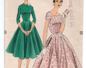 """1950's Fitted Empire Waist Cocktail Dress with Flared Princess Skirt Pattern by Vogue - Bust 32"""" - No. 8915"""