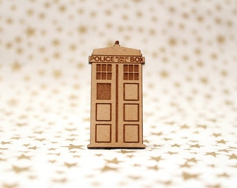 Cross Stitch Needle Minder, Tardis Doctor Who needle minder, Wood Magnetic Needle Minder. Hand embroidery, Police Box