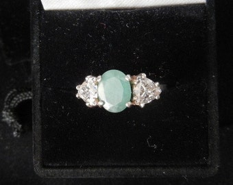Columbian EMERALD 9 x 7 faceted w/ two trillion accent synthetic diamonds size7 sterling silver3.4 grams