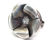 Blossom Ring Size 8 1/2