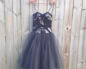 XS S Extra Small Vintage 90s Black Sequin Tulle Strapless Sparkly Alternative Grunge Indie Gothic Witch Romantic Party Prom Dress