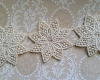 6 Antique Ivory Lace Flower Appliques