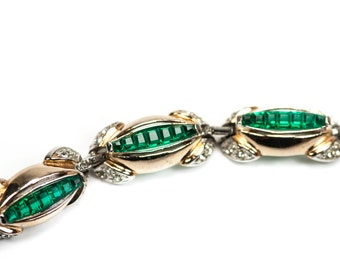 Invisibly Set Bracelet Emerald Green Art Deco Unsigned Reja Waffle Glass