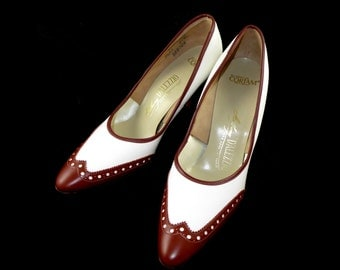 Brown and white leather spectator pumps - vintage D'Alezzio heels - saddle shoes brogue style 7.5 AA Narrow