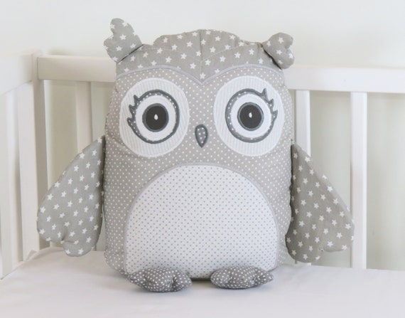 gray owl pillow, gray and white pillow,gray and white  owl, grey  nursery decor