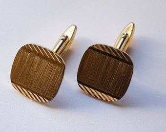 1980s Square Rounded Edge Engine Cut Cuff Links Gold Tone Metal Cufflinks