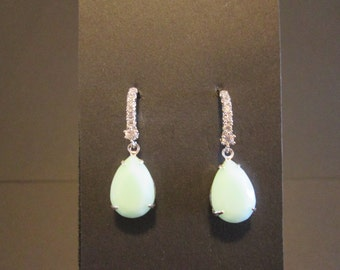 Mint Alabaster Swarovski Earrings/Mint Earrings/ Mint Alabaster Bridesmaid Jewelry/ Crystal Bridesmaid Earrings/Mint Swarovski Earrings