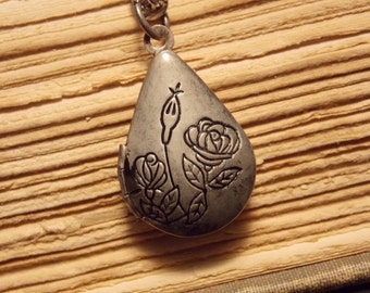 Vintage Inspired Teardrop Locket
