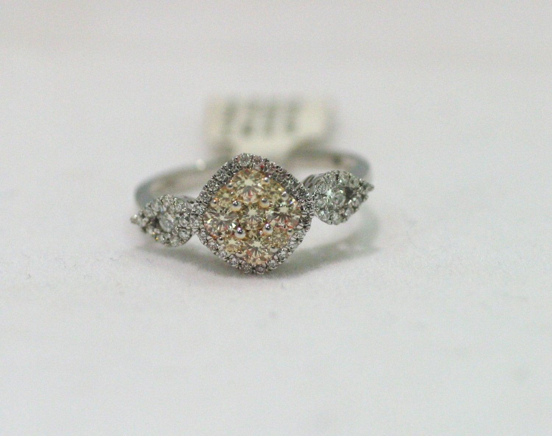 14 Karat White Gold Diamond Cluster Fashion Statement Ring