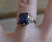 Beautiful edwardian / early art deco 14k white gold filigree engagement ring with sapphire / HOUVVY