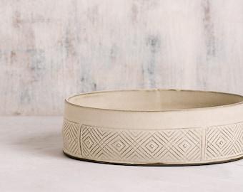 Large Serving Bowl, White Ceramic Bowl, Large Fruit Bowl, Ceramic decorative bowl, Modern salad bowl, Geometric Pattern Bowl, READY TO SHIP