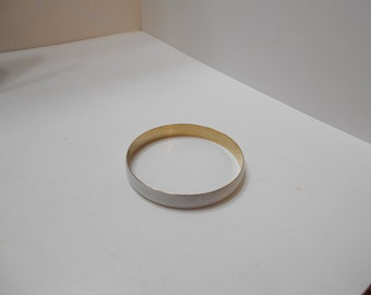 Vintage White Enamel Bangle Bracelet (4920) (BP)