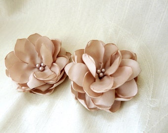 Bridesmaid Hair Flower, Flower Bobby Pins, Champagne Hair Accessory, Champagne Flower Pin, Set of two Bridal Hair Flower