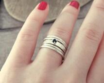 Black spinel ring, Raw diamond ring, black diamond ring, diamond ring, stacking rings set, engagement ring, rough diamond ring, rings set