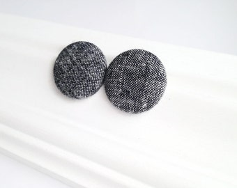 Black and grey fabric covered button earrings - Large button studs - Gift for her - Round earrings - Recycled jewelry Made in Quebec Canada