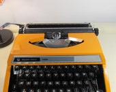 Vintage Manual Typewriter SILVER-REED SEIKO 100 with Hard Case Bright Orange color