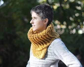 chunky wool and acrylic cowl / choose your color, for a kid (10 & up), a teen, a woman or a man.