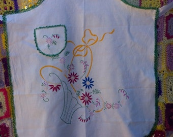 Vintage Linen Apron - Handmade and hand embroidered - perfect condition