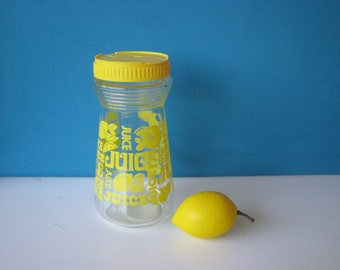 Juice Carafe - Lemon Yellow - Typography - 1 Quart With Lid  - Breakfast Carafe - Vintage 1970's