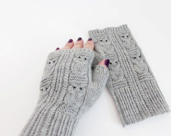 Knitted light grey owl mittens, Grey arm warmers, Owl mittens, Fingerless mittens, Fingerless gloves, Wrist warmers, Fingerless gloves