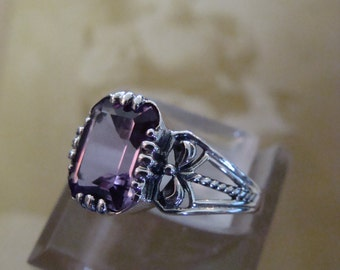 Pretty Sterling Amethyst Ring  Size 6.75 Victorian style