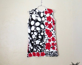 Vintage 1960's Mod Red, Black and White Floral Sleeveless Tunic Top Size Medium