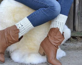 Womens Crochet boot socks, Cute fall accessory - Crochet Boot Cuffs, Womens leg warmers, white legwarmers, boot toppers for cowboy by TTAcc