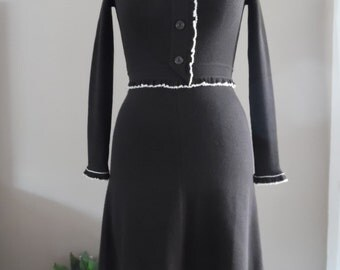 Vintage 1960s Crissa Linea Italiana Made In Italy Wool Woolmark Label Solid Expresso Brown Rib and Jersey Knit Dress