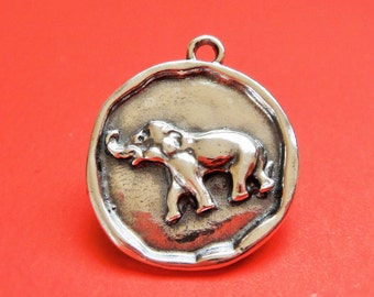 925 sterling silver oxidized  round disc with elephant,sterling silver  elephant, silver  elephant
