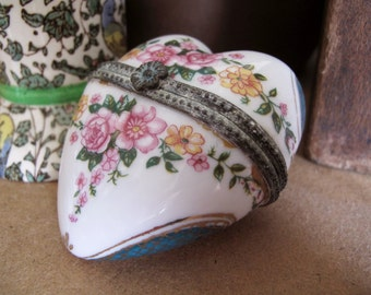 Vintage Heart Trinket Box, Ceramic Hinged Heart Box With Pink Flowers
