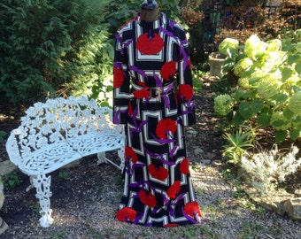 1970s Vintage Mod Maxi Dress Bold Geometric Floral Print Wide Belt