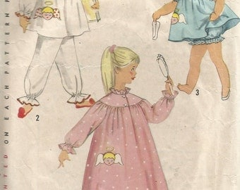 1824 Simplicity Sewing Pattern Toddlers Pajamas Nightgown Girls Size 2 Vintage 1950s Childrens