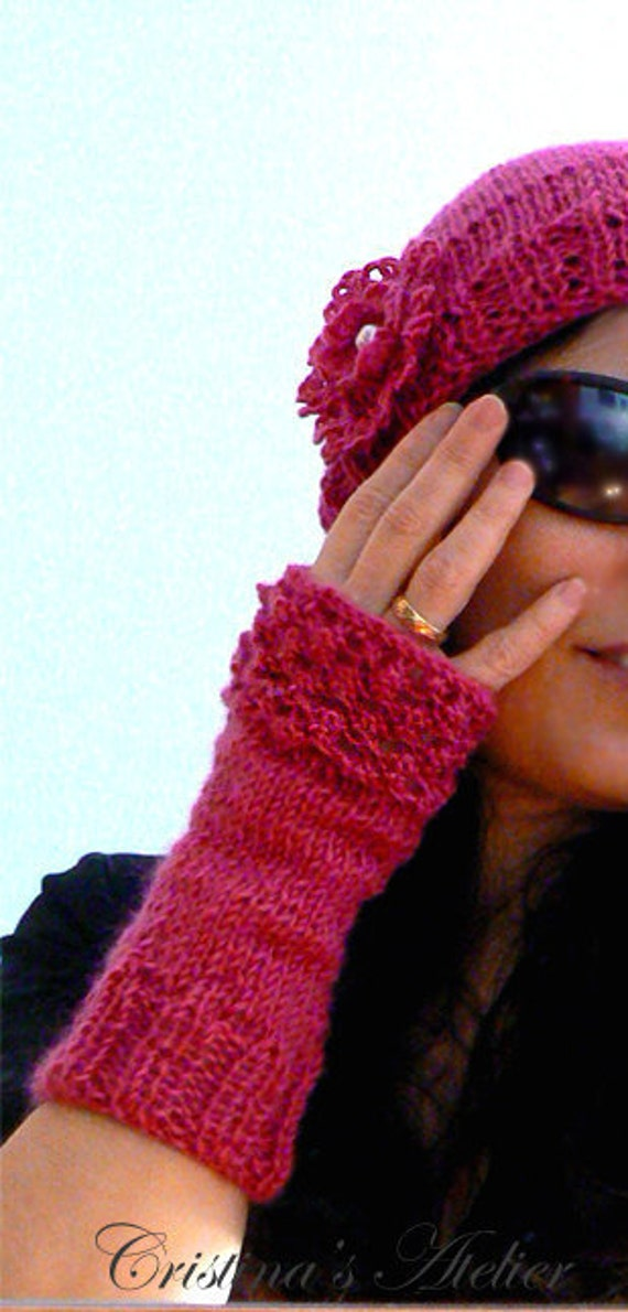 Wool knitted  pink hat gloves set. Handmade knitted pink fingerless gloves. Knit wool hat. Women winter pink gifts. Chic knitted hat