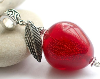 "Pendant ""Red apple"" lampwork"