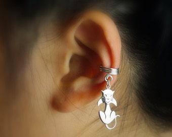 128) Halloween Ear Cuff. Cute Kitty Charm.