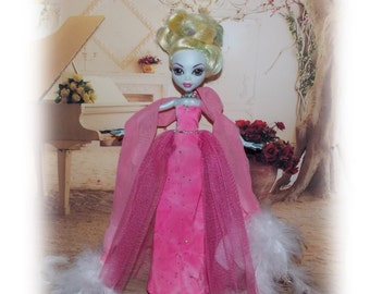 "Handmade by Muriel. Soft Pink Evening Gown, Snaps & White Feathered  Stole. Clothes fit original 11"" tall slimline dolls like Monster High"