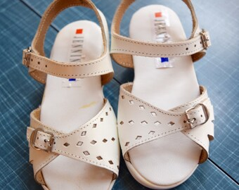 Patio Days - Retro Buckle Up Sandals - Toddler Size 8
