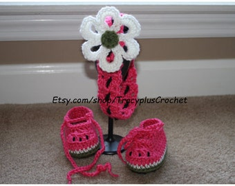 Crochet Watermelon headband with matching booties. Watermelon baby booties. Watermelon headband with flower. Handmade.