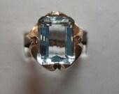 Ladies 14kt Deco yellow gold genuine aquamarine stunning ring