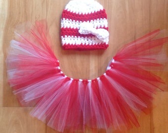 Baby Girl Christmas Outfit. Baby Girl Christmas Dress. Crochet Candy Cane Hat
