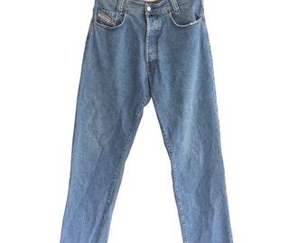 Stone Washed DIESEL New Saddle 1990s Vintage Denim Carrot Jeans W 33 L 34