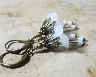 Bronze white earring