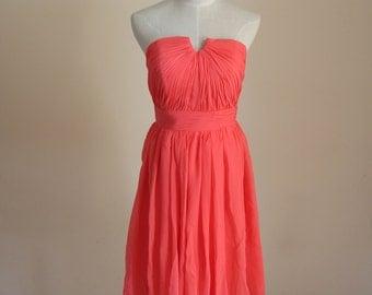 Coral Short Bridesmaid Dress Knee-length Sweetheart Coral Chiffon Strapless Bridesmaid Dress