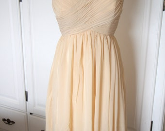 Champagne Knee Length Bridesmaid Dress Sweetheart Chiffon Short Bridesmaid Dress with Straps