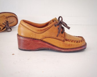 Vintage Leather Oxfords Shoes|Boho Leather Wooden Heeled Shoes|Vintage Town-Flair Ladies Wedge Shoes|Ladies Boho Leather City Shoes