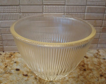 Vintage Clear Glass Ribbed Bowl - Excellent Condition!!