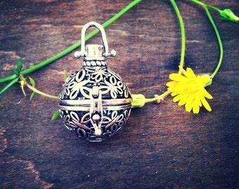 Boho poison locket-boho chic-pill box pendant-box-boho locket-locket-box pendant-boho-hippie-70s party-Beach party